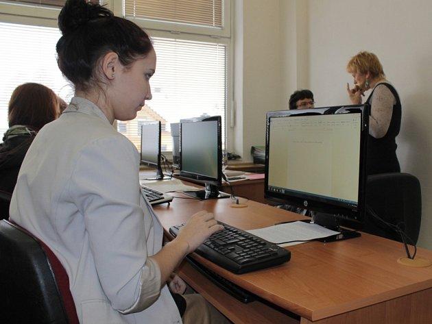 Obchodní akademie Neveklov hostila Mistrovství republiky v grafických disciplinách už podruhé.