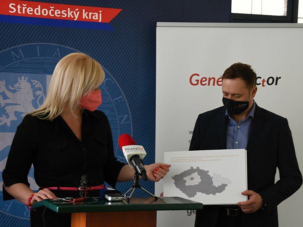 Brání zavřené školy šíření viru? Prezentace výsledků studie na Krajském úřadu Středočeského kraje.