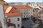Benešov při pohledu ze střechy kostela sv. Anny - Piaristická kolej.