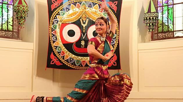 Mantra festival v Benešově potěší celé rodiny. Návštěvníci se mohou těšit na módní přehlídku i ukázku indické svatby a mnohem víc.