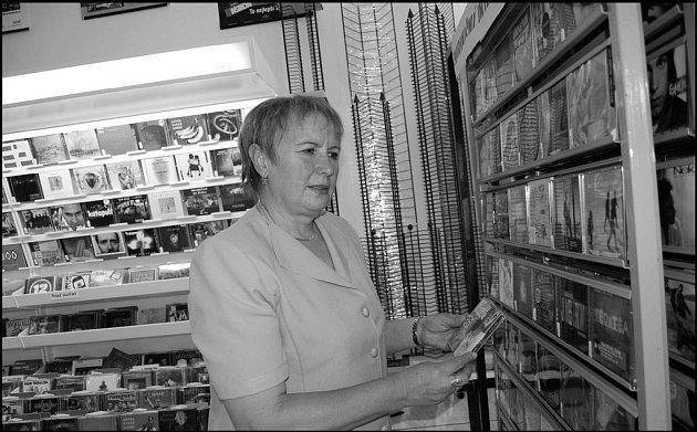 Prodejna Marie Jakešové je jediným specializovaným podnikem s hudebními nosiči ve
