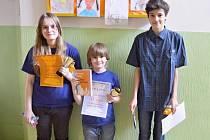 Nejlepší tři hráči víkendového šachové turnaje, který se odehrál v Choceradech.
