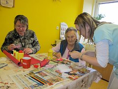Dobrovolníci pomáhají pacientům v benešovské Nemocnici Rudolfa a Stefanie už deset let.