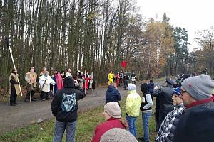 Vzpomínková akce na Holém vrchu u Nahorub k 600. výročí bitvy husitů s katolíky.