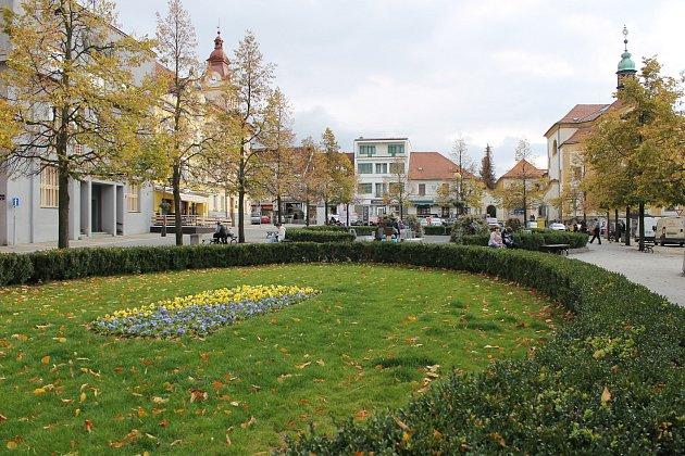 Masarykovo náměstí v Benešově, říjen 2017.