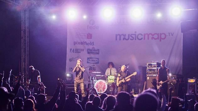 Hudební soutěž Skutečná Liga podporuje hudební talenty.