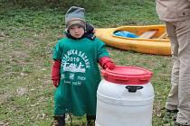 Čistá řeka Sázava: do Posázaví vyrazili dobrovolníci uklízet řeku i břehy.