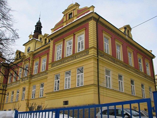 Objekt benešovského špitálu z roku 1896 v němý je i onkologie.