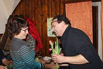 Ženy z Louňovic pod Blaníkem oslavily svůj svátek během sobotního večera 4. března. Příjemná atmosféra v zámecké hospodě všechny přítomné podnítila připomenout si významný den křehkého pohlaví.