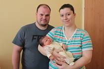 Malý Jan Bohata se narodil 18. března v 1.58 šťastným rodičům Šárce Oudránové a Janu Bohatovi, kteří žijí v Přestavlkách u Čerčan. Při narození Honzík vážil 3 590 gramů a měřil 52 centimetrů.