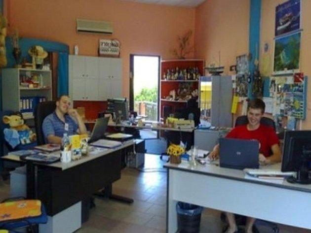Studenti Střední školy cestovního ruchu Benešov strávili dva týdny odborné praxe na řeckém ostrově Thassos.