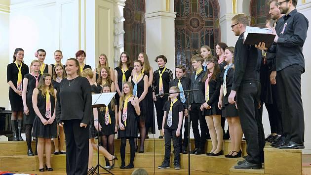 Koncert v aule benešovského gymnázia.