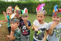 V Mateřské škole MiniSvět si děti hrály na indiány.