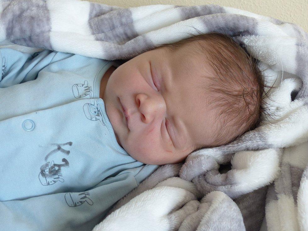 Jaroslav Zelenka se narodil 31. března 2021 v kolínské porodnici, vážil 4150 g a měřil 54 cm. Do Budy odjel s maminkou Terezou a tatínkem Jaroslavem.