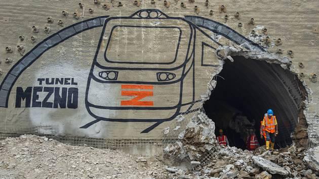 Proražení železničního tunelu Sudoměřice - Votice.