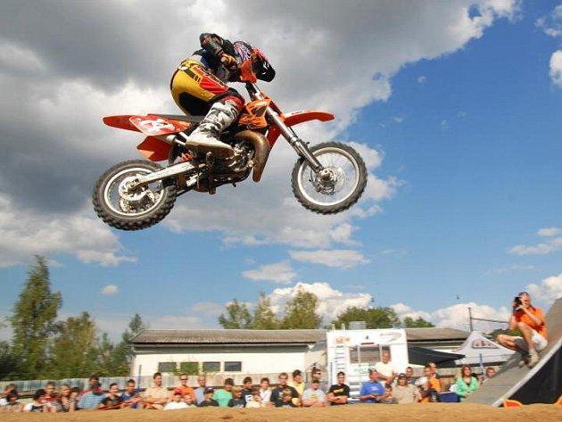 Zbyněk Kobián dokázal v loňské sezoně, že je na dobré cestě stát se kvalitním motokrosařem, což ví i ve Středisku motokrosového sportu. Teď musí zvládnout přestup do silnější kubatury