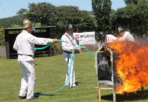 Oslavy sto čtyřiceti let Sboru dobrovolných hasičů Kamberk.