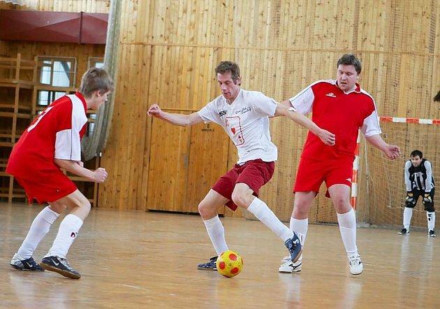 Z víkendových futsalových zápasů z benešovské haly BIOS