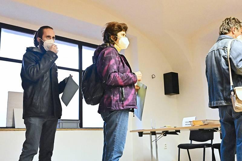 Parlamentní volby v Choceradech.
