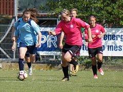 Holčina cup: Újezd nad Lesy - Panterky Čechtice 0:1.