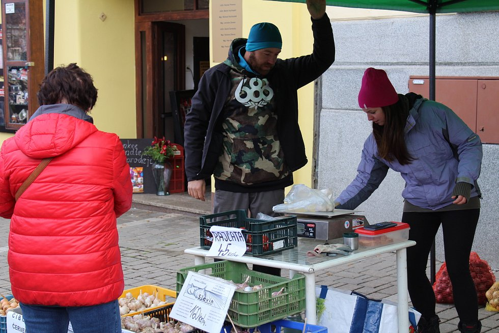 Na Masarykově náměstí se konal předposlední letošní trh.