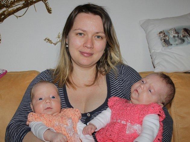 Laura a Sofie Bachovy s maminkou Andreou Mertovou.