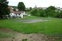 Pozemek v Louňovicích pod Blaníkem převedený městysi bezúplatně od Úřadu pro zastupování státu ve věcech majetkových.
