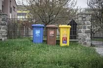 Už brzy budou mít obyvatelé Poříčí nad Sázavou popelnice na plast a papír doma.