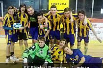 Loňští vítězové turnaje SK Florbal Benešov.