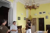 Výstava je zdarma k vidění v okresním archivu v ulici Pod Lihovarem (vedle požární stanice HZS Benešov) do 27. října v pondělí a ve středu od 8 do 17 hodin, v úterý, čtvrtek a pátek od 8.30 do 15.30 hodin.