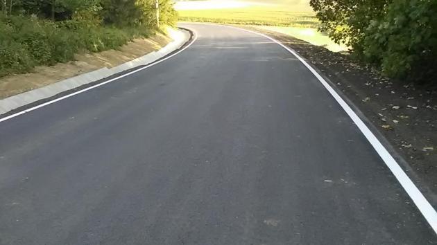 Opravená silnice.