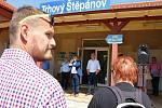 Z protestu proti rušení a omezování provozu středočeských osobních vlaků v Trhovém Štěpánově.