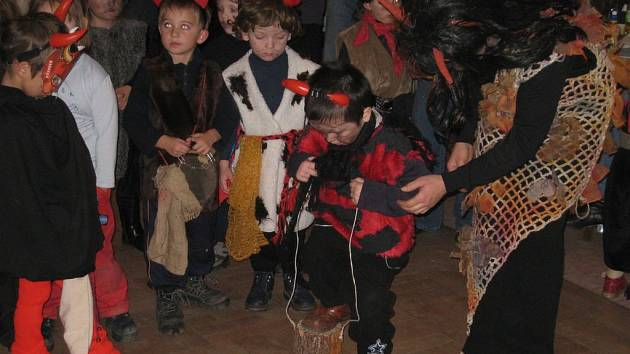 Děti si užívaly různé soutěže a hry