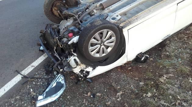 Dopravní nehoda u odbočky na Radíkovice.