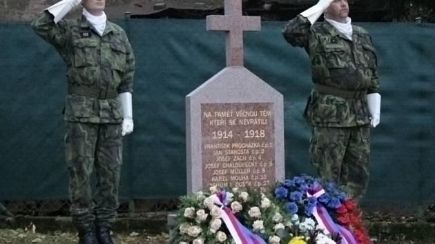 Ve Vlkovci mají od úterý 11. listopadu 2014 pomník padlým v první světové válce.
