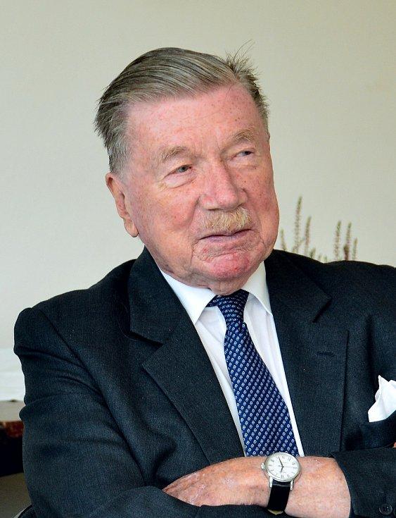 Zdeněk Sternberg.