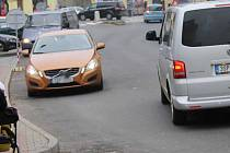 Od pondělí 5. prosince je část Voučkovy ulice v Benešově jednosměrná.