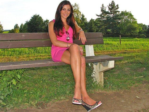 Lucie Sovová, finalistka Miss hasička ČeskoSlovensko 2012, ve čtvrtek nafotila hasičský kalendář.