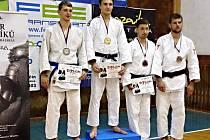 Jan Pikora (první zleva) na stupních vítězů v Jičíně.