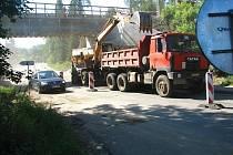 Dopravní omezení si vyžádala oprava železničních mostů v rámci optimalizace tratě Benešov–Praha,