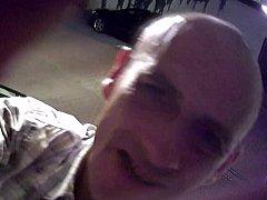 Neznámému pachateli, který zničil kameru a čidlo, hrozí rok ve vězení.