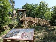 Zřícenina hradu Zlenice.