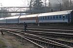 Dálkové vlaky jezdí s méně vozy, ale častěji.
