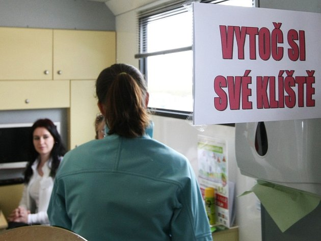 O očkování proti klíšťové encefalitidě je rok od roku větší zájem.