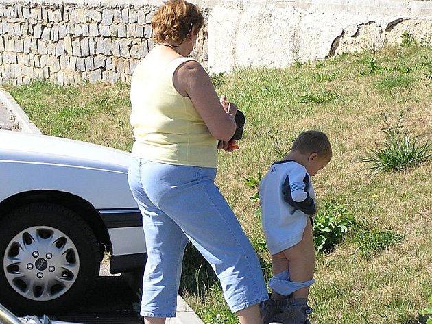 Hm,hm!!! Takže když budu marodit, tak dostane babička za hlídání míň peněz. To se na to.