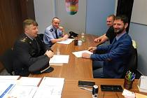 Podpis koordinační dohody o vzájemné spolupráci města Bystřice s Policií ČR.