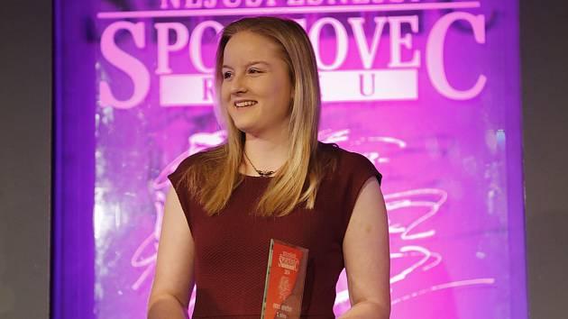 Anna Dědová, šestnáctiletá střelkyně SSK Benešov se stala nejlepším mládežnickým sportovcem Benešovska pro rok 2014.
