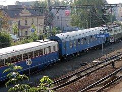 Do Benešova dorazil Modrý šíp a Bobina. Na Sedlčanku je v neděli doprovodí Hektor s Balmy.