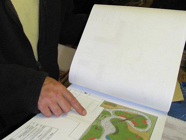 Plánek stezky u Centra ekologické výchovy u Čapího hnízda.