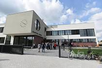 Škola v Roztokách.
